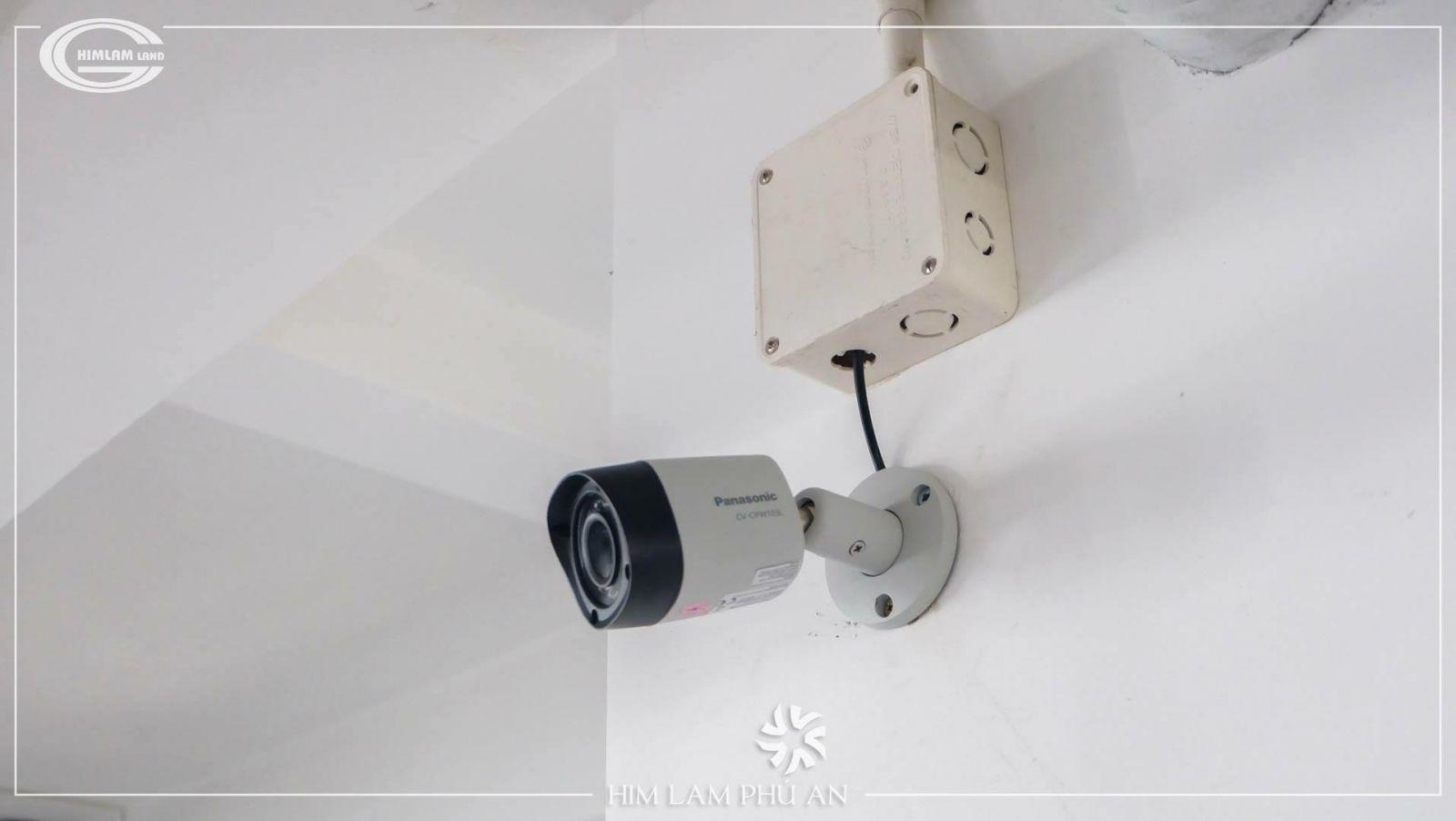camera-an-ninh-24/7-can-ho-him-lam-phu-an